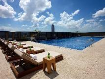 The Okura Prestige Taipei Hotel: swimming pool
