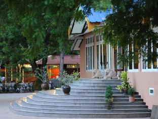 Thante Nyaung U Hotel Bagan - Entrance