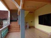 Souankhamphone Guesthouse: balcony/terrace