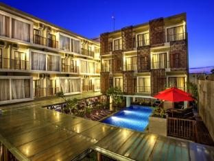 Hotel Horison Seminyak Bali Bali - Building & Pool