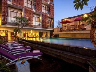 Hotel Horison Seminyak Bali Bali - Swimming Pool