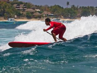 Bersantai Villas Lembongan Bali - Stand Up Paddle boarding at your doorstep