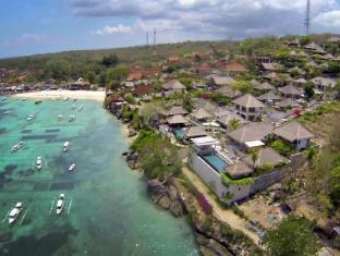 Bersantai Villas Lembongan Bali - Perfectly located on the water