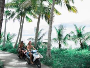 Bersantai Villas Lembongan Bali - Explore the island via scooter, just as a Bersantai staff member to arrange a scooter for you