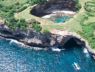 Bersantai Villas Lembongan Bali - Surrounding islands... destinations to explore!