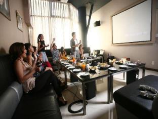 Ace Hotel & Suites Manila - KTV