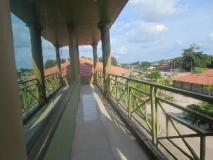 Dork Jumpa Hotel: balcony/terrace