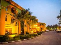Dork Jumpa Hotel: entrance