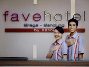 favehotel Braga Bandung - Receptionist