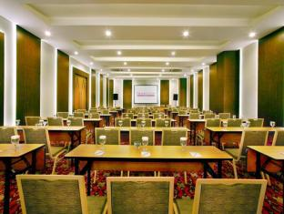 favehotel Braga Bandung - Meeting Room