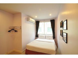 Sleep Room Guesthouse Phuket - Külalistetuba