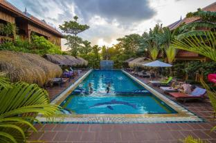 /delux-villa/hotel/battambang-kh.html?asq=vrkGgIUsL%2bbahMd1T3QaFc8vtOD6pz9C2Mlrix6aGww%3d