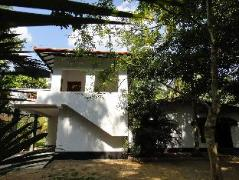 Tropical Tree Villa Galle | Sri Lanka Budget Hotels