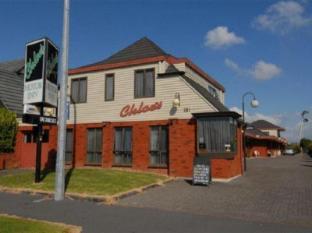 Chloes Motor Inn