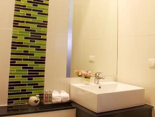 Natalie Resort Phuket - Deluxe Pool View Room