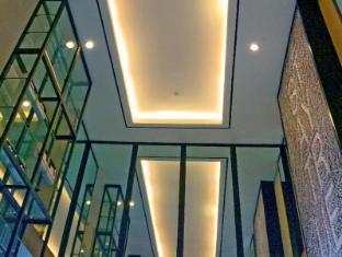 Astoria Greenbelt Manila - Exterior