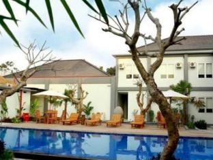 Grandroyal Bandara International Lombok BIL Hotel