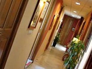 /hostal-larios/hotel/malaga-es.html?asq=vrkGgIUsL%2bbahMd1T3QaFc8vtOD6pz9C2Mlrix6aGww%3d
