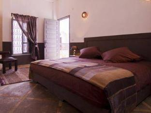 /pl-pl/riad-64/hotel/marrakech-ma.html?asq=m%2fbyhfkMbKpCH%2fFCE136qQem8Z90dwzMg%2fl6AusAKIAQn5oAa4BRvVGe4xdjQBRN