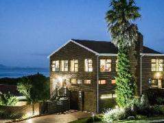 White Shark Guest House | South Africa Budget Hotels