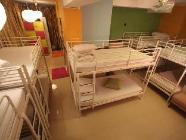 سرير واحد في مهجع لعشرة أشخاص (مختلط)