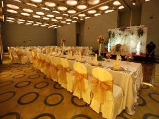 Luxent Hotel Manila - Ballroom
