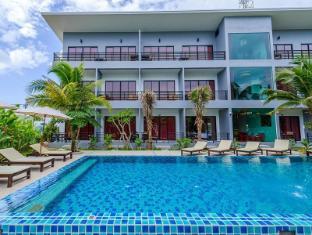 Baan Phu Chalong Phuket - Swimming Pool
