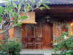 Swan Inn Bali - Balcony/Terrace