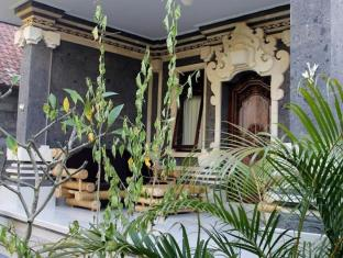 Swan Inn Bali - Balkong/terrass