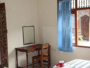 Swan Inn Bali - Guest Room