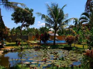 Swan Inn Bali - Trädgård