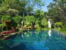 Blue Bird Hotel: swimming pool