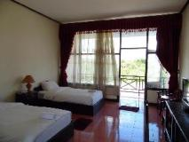 Phoukham Garden Hotel and Resort: guest room