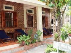 The Palm Tree Guest House | Vietnam Budget Hotels