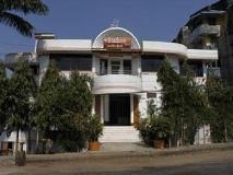 Stallion Hotel: