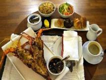 Ngapali Bay Villas & Spa: food and beverages