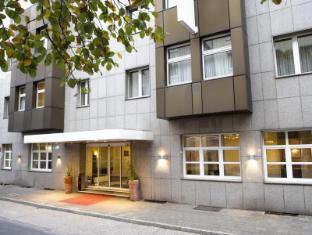 /fi-fi/wyndham-garden-hotel-duesseldorf-city-centre-koenigsallee/hotel/dusseldorf-de.html?asq=vrkGgIUsL%2bbahMd1T3QaFc8vtOD6pz9C2Mlrix6aGww%3d