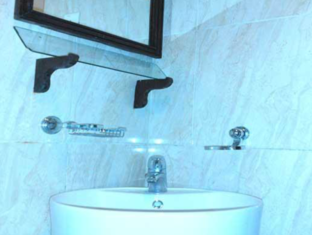 Janmik Holiday Resort Nuwara Eliya - Double Room-Bathroom
