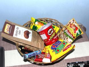 Janmik Holiday Resort Nuwara Eliya - Food Basket