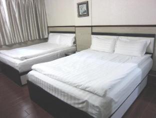 Hong Kong Motel Hong Kong - Quad Family
