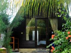 Ozzy Cottages & Bungalow   Indonesia Hotel