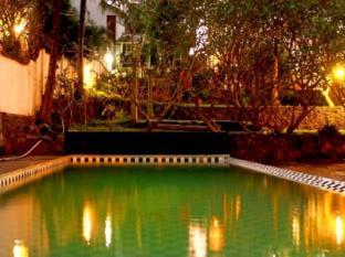/fi-fi/sunsetpoint-hotel/hotel/unawatuna-lk.html?asq=vrkGgIUsL%2bbahMd1T3QaFc8vtOD6pz9C2Mlrix6aGww%3d