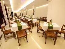 Phonethip Plaza Hotel: restaurant