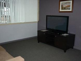 Statesman Hotel Canberra - Family Room