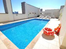 Ramee Rose Hotel Apartments: swimming pool
