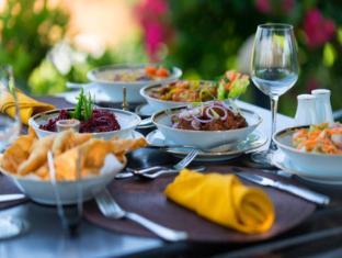 Villa Mayurana Unawatuna - Outdoor Dining