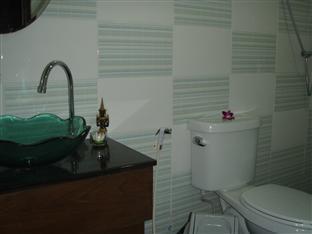JJ&J Patong Beach Hotel Пхукет - Ванна кімната
