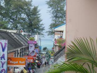 JJ&J Patong Beach Hotel Phuket - Näkymä