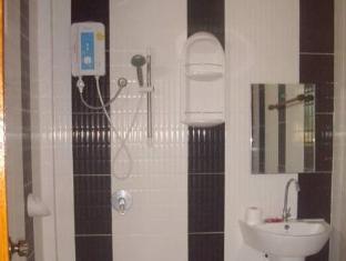 Narnia Resort Pattaya 2 Pattaya - Bathroom