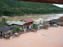Phetsokxai Hotel: balcony/terrace